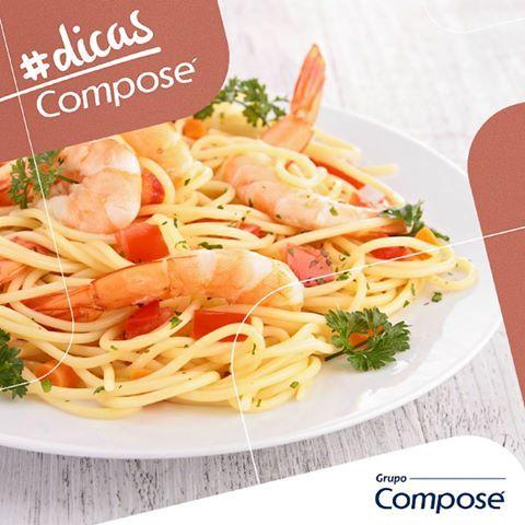 Macarrão com camarão? Curioso para saber essa receita? Confira mais em  http://bit.ly/macarraocamarao  #ComposeRevestimento #revestimento #dicagastronomia #gastronomia #camarao