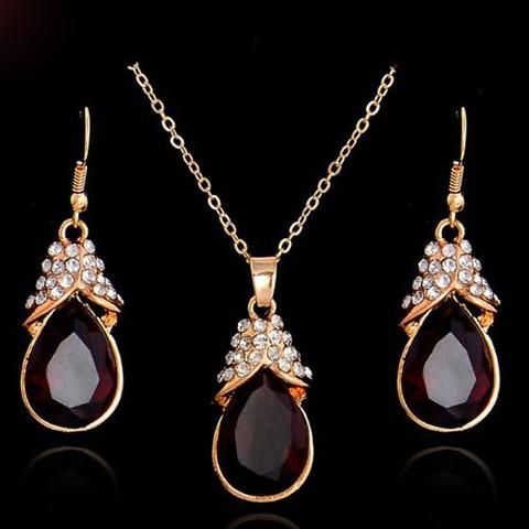 Vintage Style Fiery Red Garnet and Crystal Necklace and Earring Set - UCHARMME.co.nz