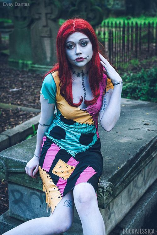Sally Skellington Cosplay http://geekxgirls.com/article.php?ID=2603