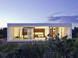 OTAMA BEACH HOUSE BY DAVID BERRIDGE ARCHITECT