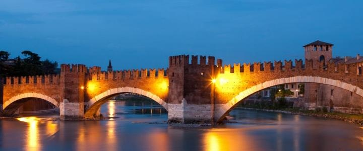 Visita la città dell'amore con i pacchetti dedicati... | ♥ Verona In Love ♥ se ami qualcuno portalo a Verona