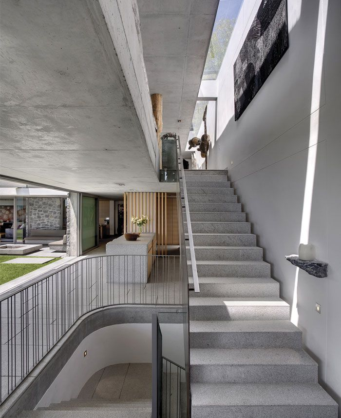 House Surrounded by a Garden 16 best