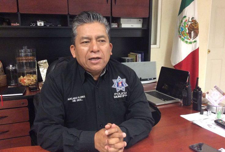VIGILARÁN 400 POLICÍAS JUEGO SANTOS VS CHIVAS Adelaido Flores Díaz, titular de la Policía Municipal de Torreón, informó que habrá cero tolerancia ante actos vandálicos de 'barras' tanto locales como visitantes, para evitar confrontaciones.