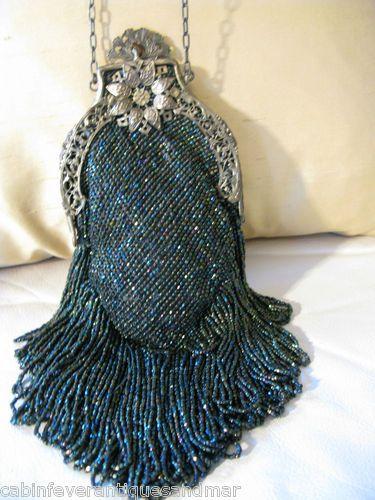 Antique-Victorian-Art-Nouveau-Filgree-Peacock-Green-Carnival-Glass-Bead-Purse