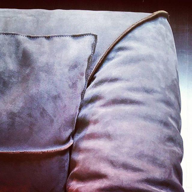 Coming soon - - - A brevissimo novità nuovi modelli di divani e poltrone qualità artigianale.  Scoprite il lusso della nuova collezione  #nabuk #beautiful #home #casa #arredamento #meda #milano #madeinitaly #passion #artigianalità #vera  #work #Amazing #cool #love #artist #hot #love #luxury #leather #design #interior
