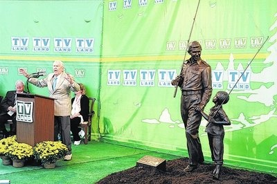 andy griffith commemorative speech Don knotts tribute: don knotts, the skinny, lovable nerd lovable nerd who kept generations of television audiences laughing as bumbling deputy barney fife on the andy griffith show, has he majored in speech at west virginia university, then took off for the big city i went to.