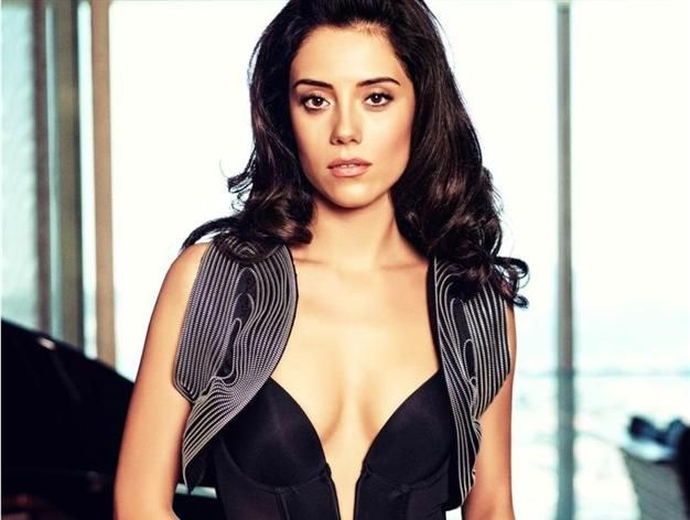 Cansu Dere to play Sultan's Iranian love interest on hit show ...