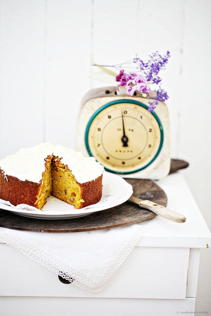 Ein Rezept für Süsskartoffelkuchen, wirklich wahr! Mit Walnüssen. Und Orangenfrischkäsecreme