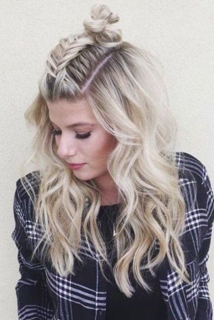 Pinterest Most Pinned Summer Hair - loving this middle braid top knot style, perfect for so many summer occassions