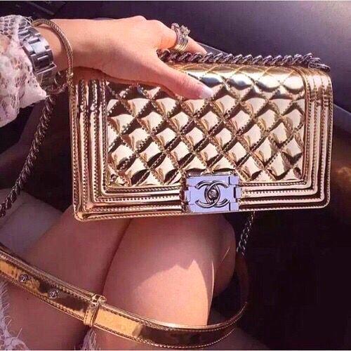 18 fotos de bolsos que se ven hermosos como diamantes glamhere.com #handbagsphotos