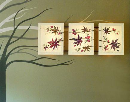 Τριπλό φωτιστικό τοίχου Satinka, με αληθινά φύλλα και συνθέσεις εμπνευσμένες από τη φύση. Συνδυάζεται και με ζωγραφική στον τοίχο, πάνω από το κρεβάτι ή τον καναπέ. Δείτε όλα τα φωτιστικά της σειράς Floral Chic στη σελίδα http://www.artease.gr/fotistika/floral-chic/