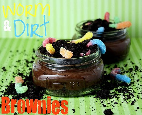 Worms and Dirt Brownies: Dirt Cakes, Birthday Treats, Construction Parties, Dirt Cups, In A Jars, Parties Ideas, Earth Day, Cookbook Queen, Dirt Brownies