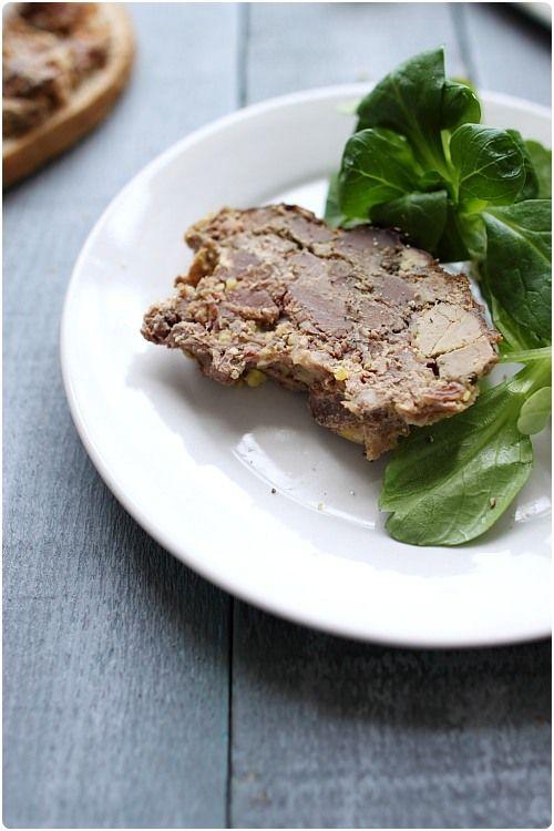 Cette terrine est un pur régal, avec du bon pain, une salade et des cornichons. C'est une idée qui peut vous permettre de changer du foie gras maison. Cett                                                                                                                                                                                 Plus