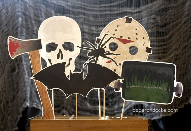 Free Halloween Photo Booth Prop Printables. Must-have for your party!