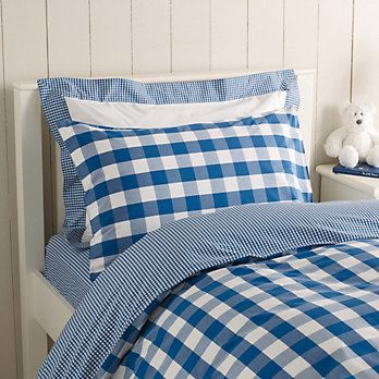 Bedding in blue gingham.
