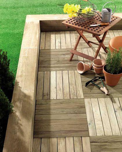 Une jolie terrasse à caillebotis en bois