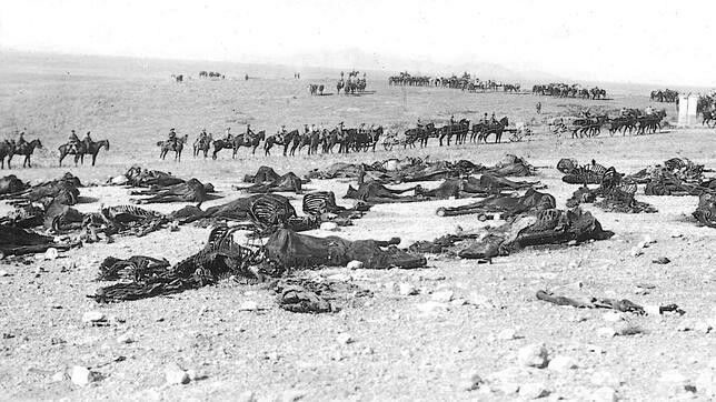 Los restos del Regimiento Alcántara