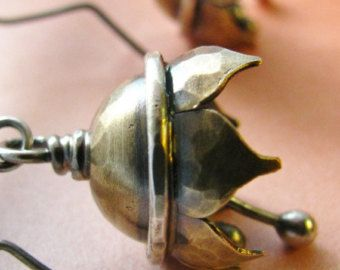 Musical pendientes, pendientes de Bell de flor de loto, mezclado Metal pendientes, joyas musicales, inusuales pendientes, joyería artesanal