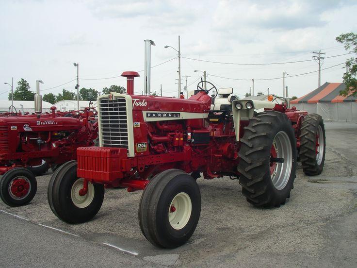 1967 Farmall 1206