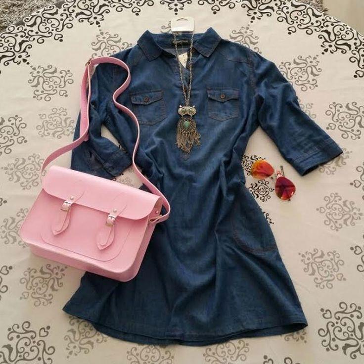 Sugestão de look casual feminino: vestido jeans + óculos aviador + bolsa Croisfelt satchel carteiro transversal 11'' rosa chiclete #moda #fashion #dia #noite