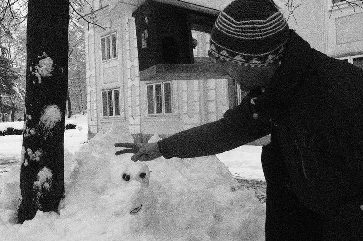No, eni so delali, drugi pa ... Vendar vsi smo se zabavali. / Well, some were building snowmen, the others ... But it was oh so much fun!