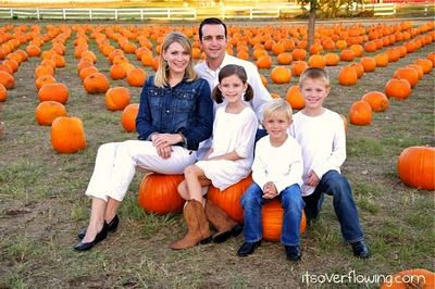 Great family picture idea!