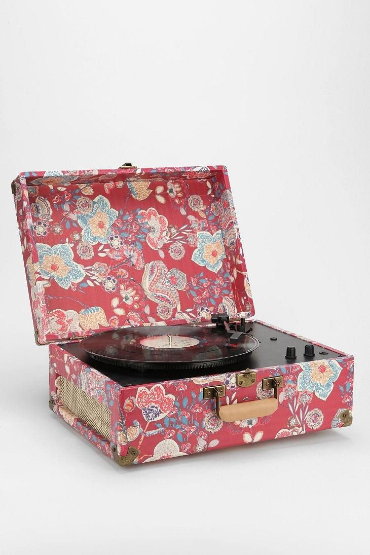 Lovely Crosley X UO AV Room Portable USB Vinyl Record Player
