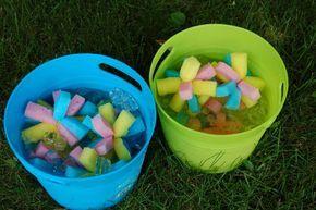 Gros hit à la fête de mon gars: les bombes d'eau glacée en éponge. Si vous êtes comme moi, vous mettrez vos ballounes d'eau à la retraite immédiatement après avoir essayé cette activité. C'est beaucoup beaucoup plus simple à préparer et tout aussi, sinon plus amusant.  Le principe est simple: on coupe des éponges […]