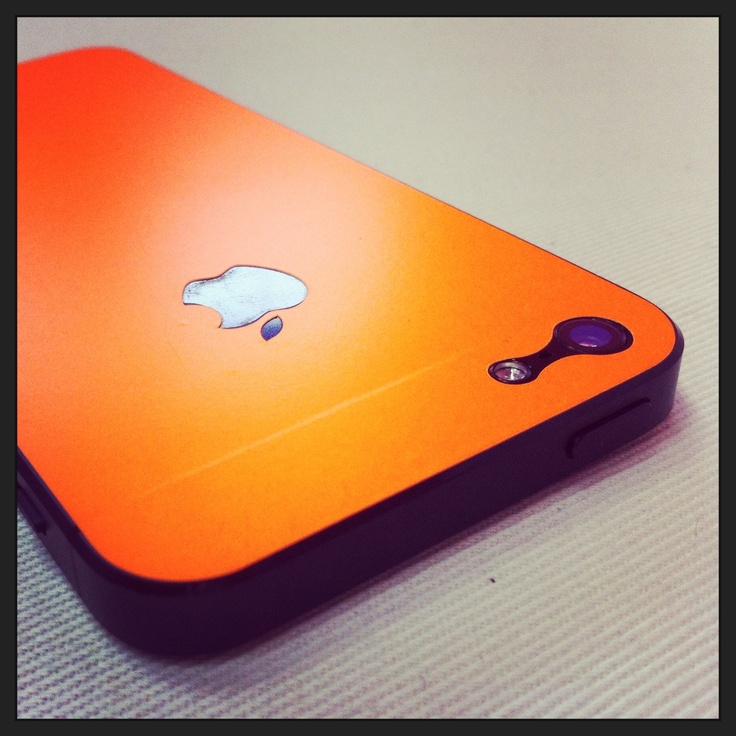 Fosforescente orange skin for iPhone 5! But it is available also for iPhone 4/4S! www.iskinee.com/shop