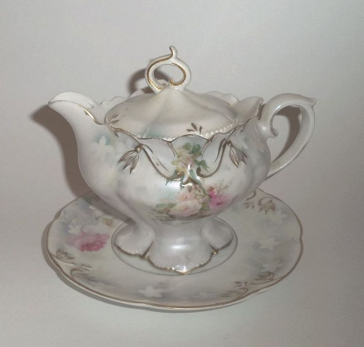 Elegant, R.S.Prussia, Covered Cream Pitcher and Under Plate. #RSPrussia
