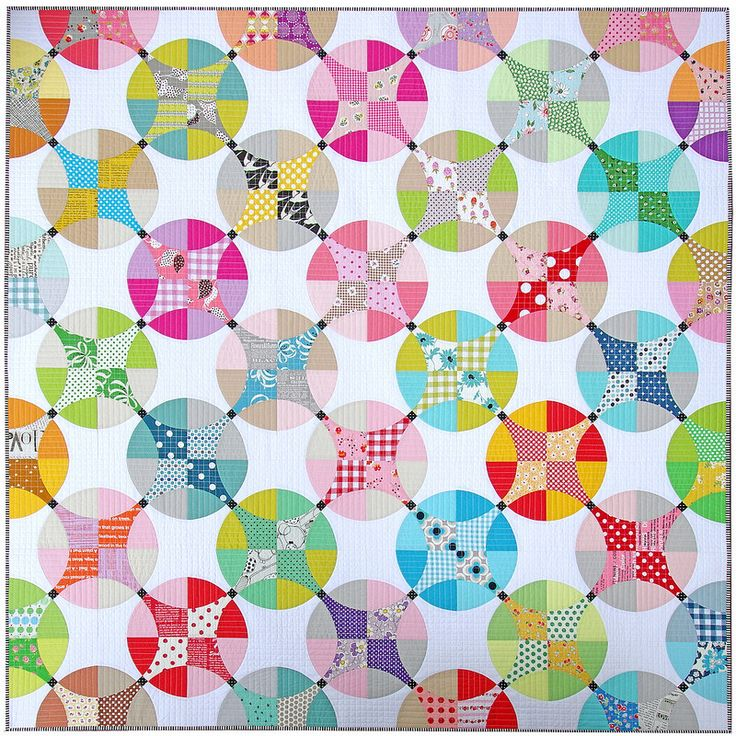 A traditional Flowering Snowball Quilt | © Red Pepper Quilts 2016