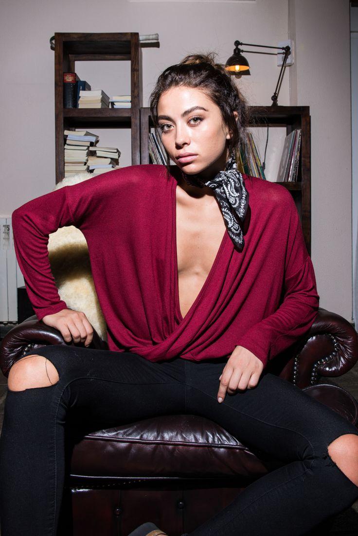 Deep V Wrap Top - ΡΟΥΧΑ -> Μπλούζες | Made of Grace