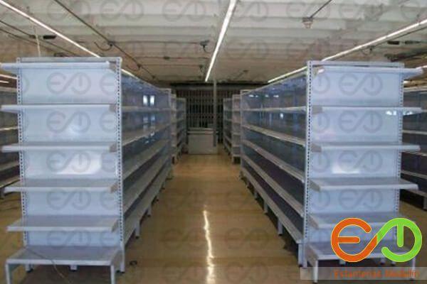 Estanterias y gondolas metalicas para supermercados en Medellin