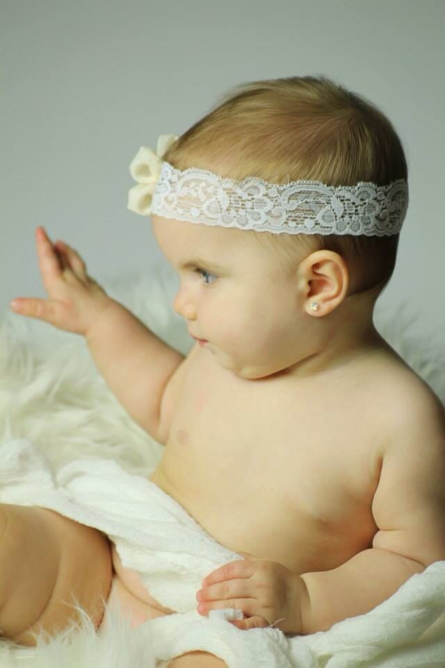 Baby photography   Photo: Krisztina Papp  I love this little Queen :) Had a Blast to work with her