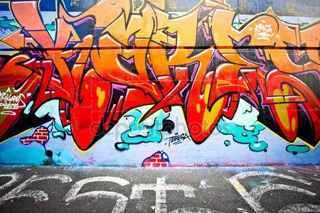 ダウンロード - メルボルン - 6 月 29 日: 正体不明のアーティストによるストリート アート。メルボルンの落書きは世界的に有名な落書きの経営計画は、活気のある都市文化に貢献するストリート アートの重要性を認識 — ストック画像 #29448441