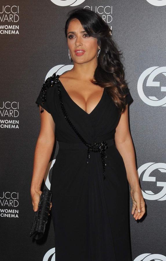 32++ Salma hayek black dress information