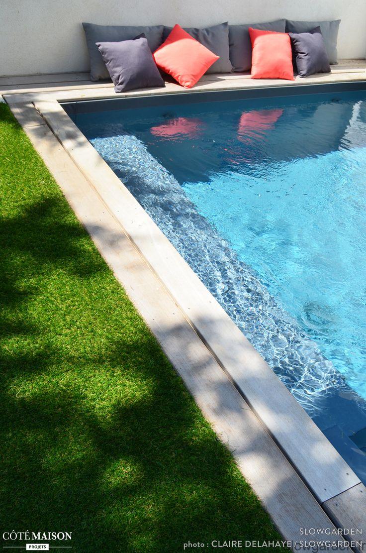 46 futuristic swimming pools - Piscine Avec Du Gazon En Bordure Et Des Oreillers Proximit Pour Se Pr Lasser Au Soleil Swimming Poolsavonshootingsunside House