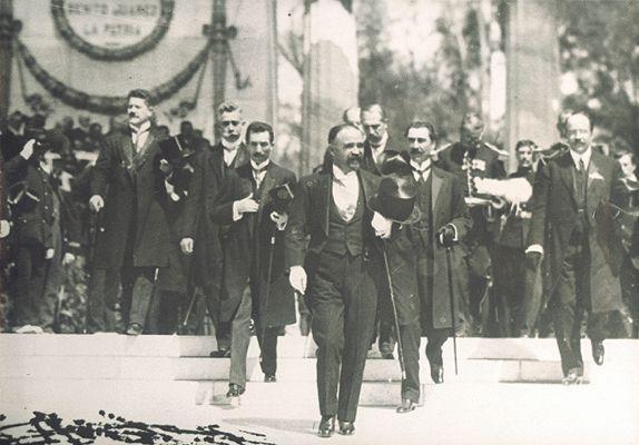 http://www.diariomasonico.com/masones-celebres/francisco-madero-presidente-mason-y-medium