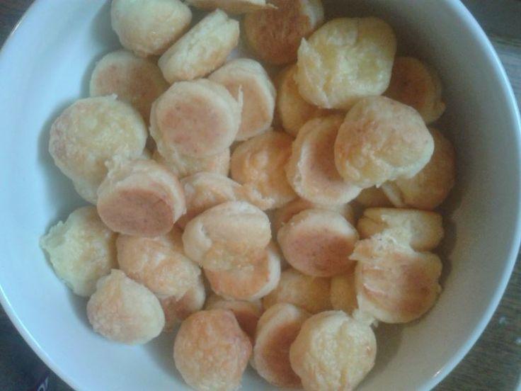 Túrós-sajtos pogácsa, ideális gulyások mellé. http://receptek365.info/pogacsak/turos-pogacsa/