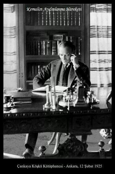 ATATÜRK - Duvarimizdaki canvas Atatürk resmi