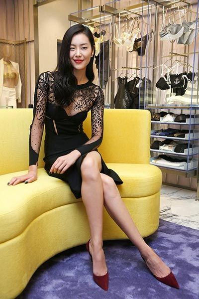 Chinese supermodel Liu Wen attends opening ceremony of a lingerie maker in Beijing on Nov 18. http://www.chinaentertainmentnews.com/2015/11/star-tracks-in-november.html