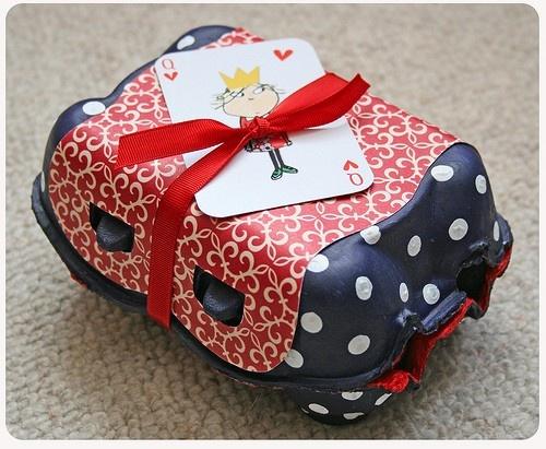 Decorative egg box