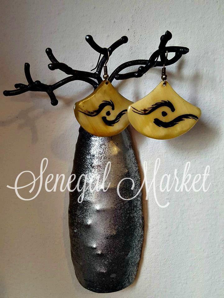 orecchini in corno bovino, tinta naturale di SenegalMarket su Etsy
