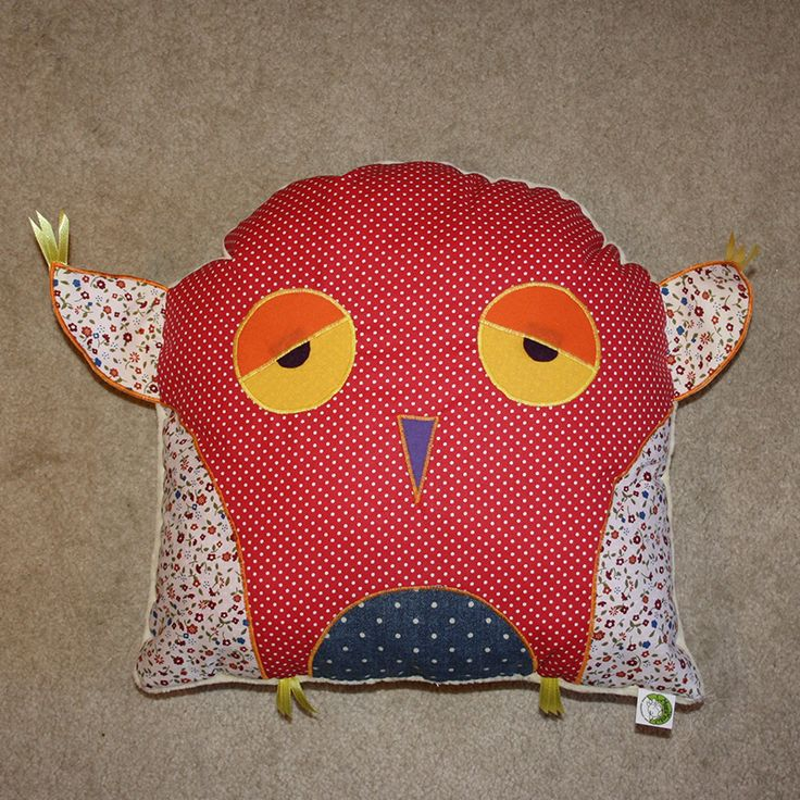 Red dotted owl pillow 2015. www.masnimesi.net