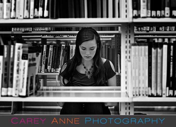 senior pose library Carey Anne Photography www.careyanneblog.com
