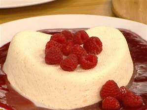 Coeur a la creme with raspberries | Recipes I Want to Try ...