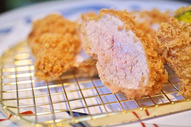 馬酔木 - 特上ヒレかつ ヒレ肉の一番柔らかい部分のみを使用しております。肉汁の多さは、さすが岩中豚