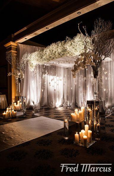 gorgeous #altar L'ATELIER ROUGE | FLOWER | EVENT DECOR