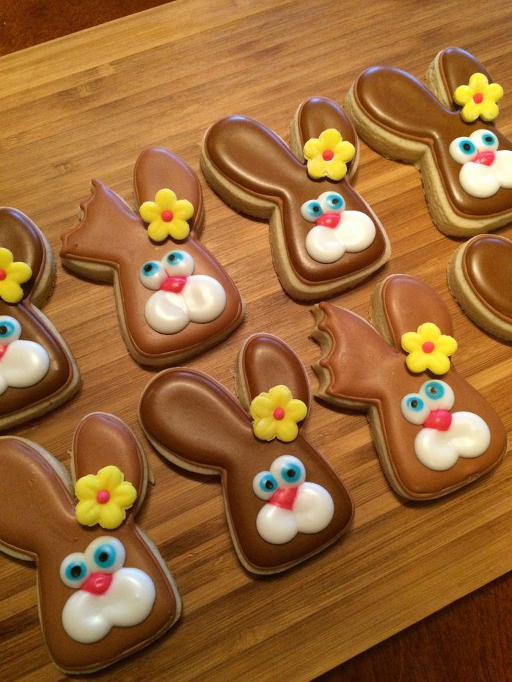 Chocolate Bunny sugar cookies by Heidissweetshoppe on Etsy https://www.etsy.com/listing/225003204/chocolate-bunny-sugar-cookies