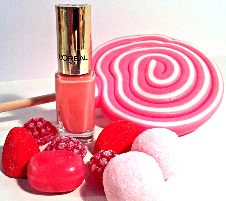 """New candy coloured nail polish """"Dating Coral 305"""" by L´Oréal Paris"""